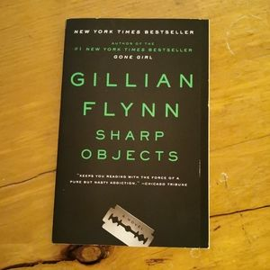 🐢 3 for $25 💘 Sharp Objects by Gillian Flynn